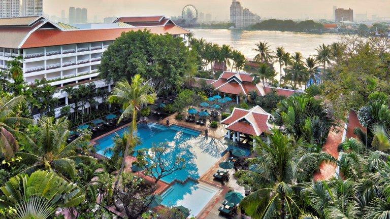 Anantara Bangkok Riverside Pool