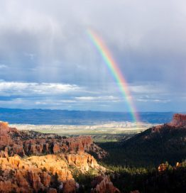 arid bryce canyon clouds color